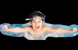 niño en piscina Construcción y mantenimiento de piscinas en Tarragona
