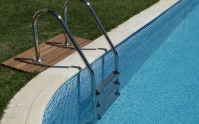 Escaleras para piscinas, mucho que escoger
