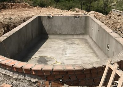 piscina en construcción