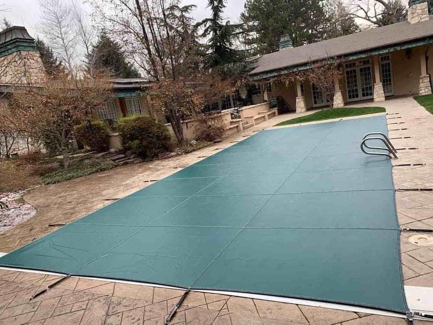 cubierta de piscina para invierno